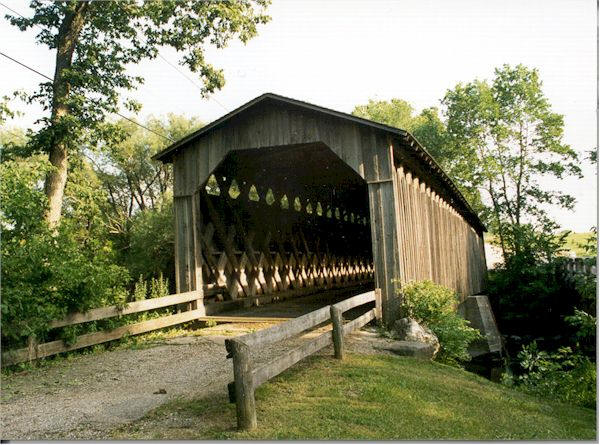 Cedarburg Covered Bridge from the front.