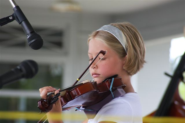 Young Girl Fiddle Player