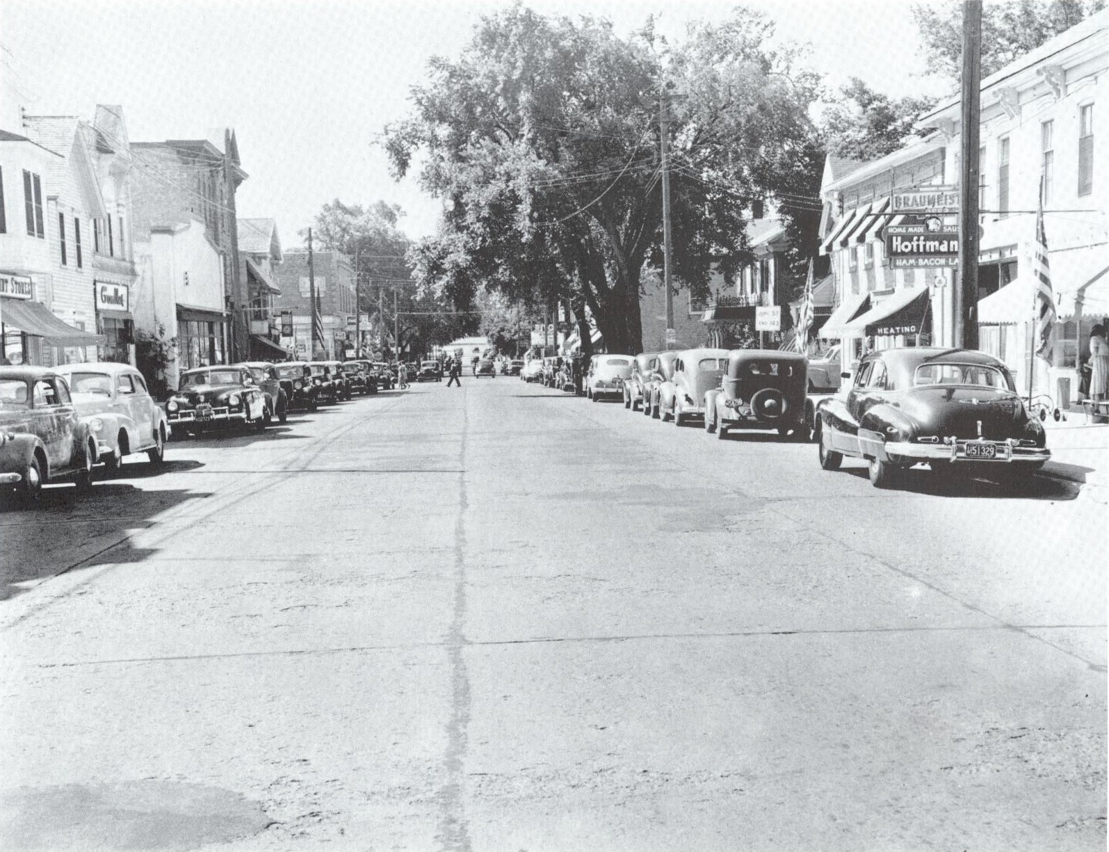 Looking north on Washington Avenue in the 1940s.
