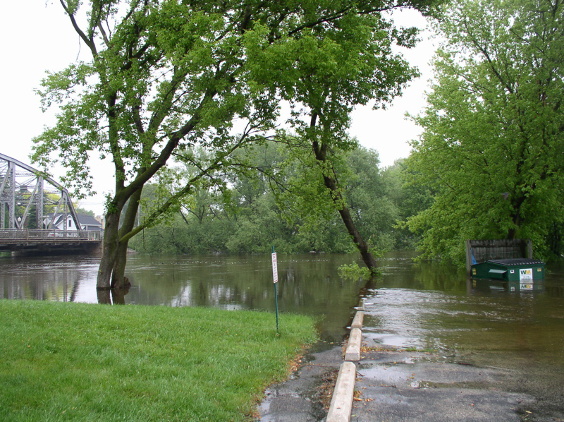 Milwaukee River Flooding in Saukville 002
