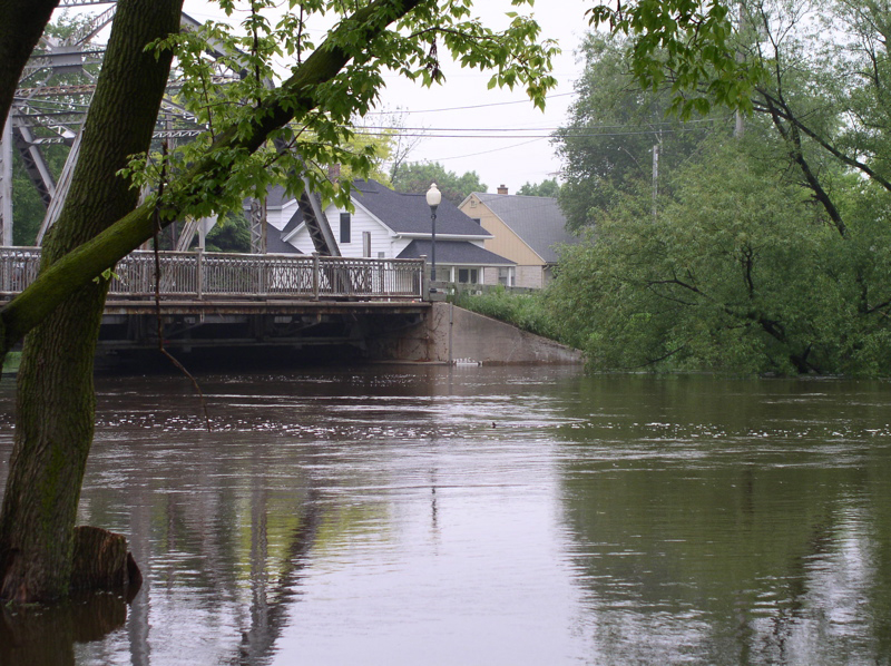 Milwaukee River Flooding in Saukville 003